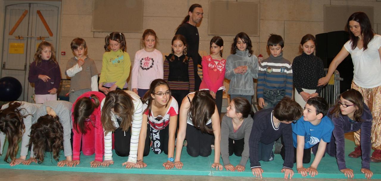 atelier cirque avec Malino et Sophie